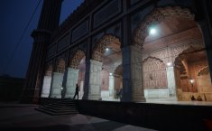 Do I Need to Have Light at the Time of Maghreb Prayer?