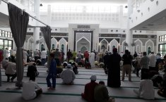 What Is the Ruling of Not Offering Friday Prayer Due to Work?