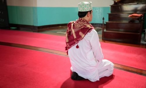 What Is the Ruling of Making Du`aa before Finishing Prayer?