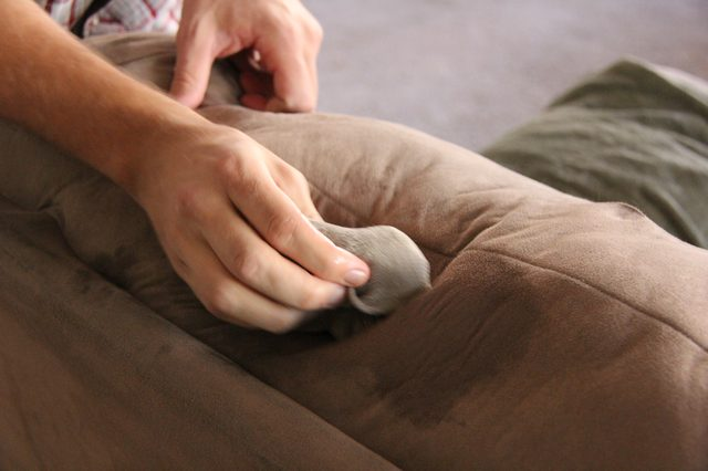 one cleans a sofa - How to Remove Impurity in Islam
