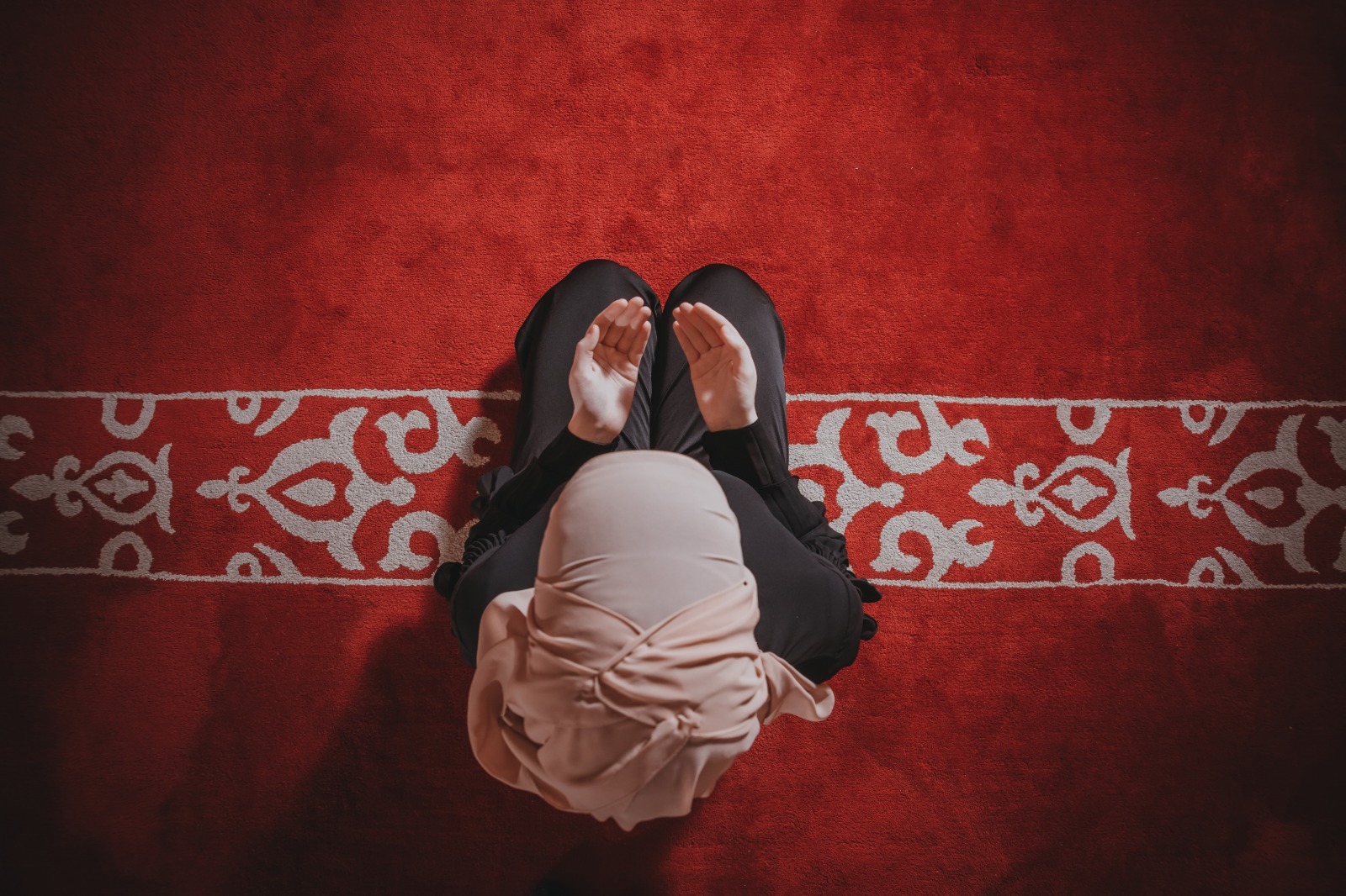 Can a Menstruating Woman Go to a Masjid