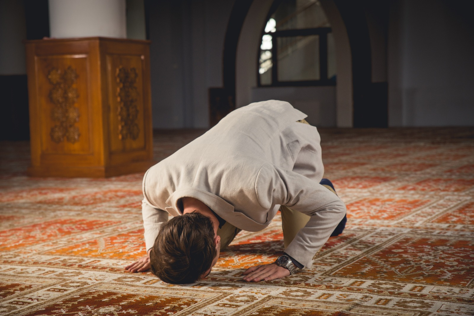 Staying with a Husband Who Does not Pray Allowed