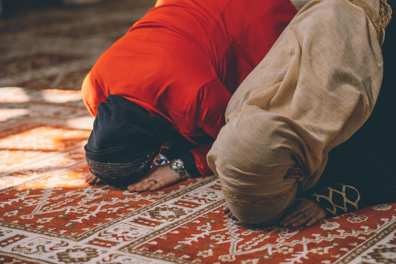 Why Cannot Women Call Out Loud Adhan and Iqamah